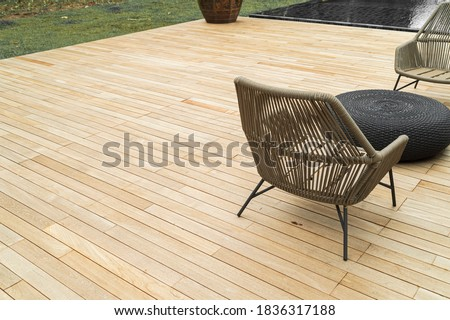 flooring teak wood , outdoor decking, oil natural color, outdoor use, sun resistant, weather resistant, weather resistant.