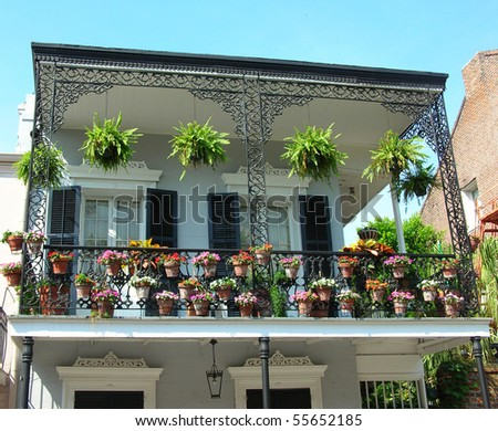 Flowerpots at the French Quarters