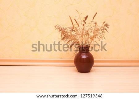 Flowers in the vase.