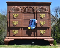 36 foot high World's Largest Chest of Drawers.