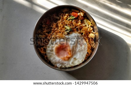 Fried Mama or Fried noodle with Fried Eggs