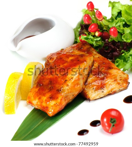 Grilled fish sauce with grapes