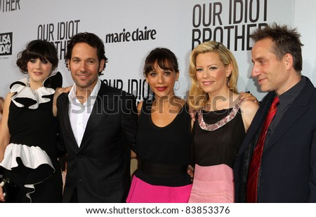 "8-16-11 - Hollywood, California - Zooey Deschanel, Paul Rudd, Rashida Jones, Elizabeth Banks, Jesse Peretz. ""Our Idiot Brother"" - Los Angeles Premiere at The Cinerama Dome. Photo: Kevan Brooks/AdMedia"