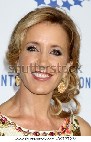 ".LOS ANGELES - OCT 14:  Felicity Huffman arriving at the Clinton Foundation ""Decade of Difference"" Gala at the Hollywood Palladium on October 14, 2011 in Los Angelees, CA"