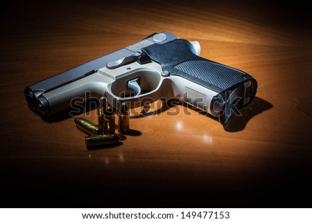 9mm hand gun with rounds