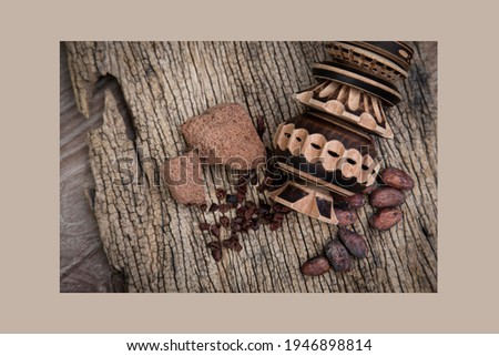Molinillo used for making hot chocolate and other drinks.a wooden whisk spun between the hands in a vat of chocolat. Foto stock ©