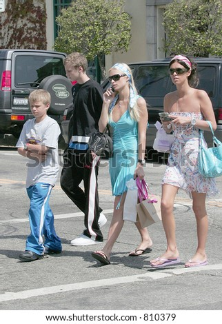 Paris Hilton struttedherself around robinson with sister Nicky hilton, Los Angeles, Ca, 06/24/04