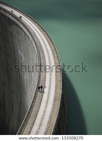 People on the Mooserboden dam
