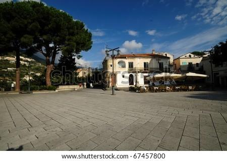 Ravello Ravello is an historical city along the famous Amalfi Coast