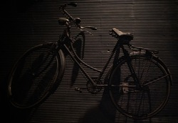 roadster bicycle is a standard type of bicycle with 28 inch tires commonly used by urban people in ancient times