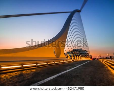 Samuel Beckett bridge sunset