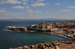 Sea, the castle and the wind Bozcaada, Turkey's third largest, and is the second largest island in the Aegean Sea after Gökçeada.