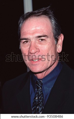 "21SEP99: Actor TOMMY LEE JONES at Los Angeles premiere of his new movie ""Double Jeopardy"" in which he stars with Ashley Judd.  Paul Smith / Featureflash"