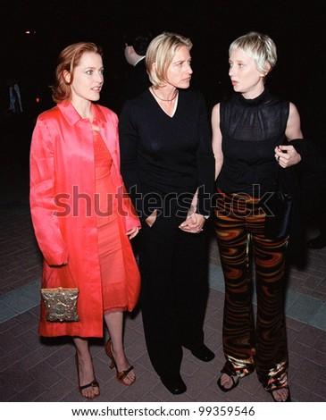 18sep99: Actresses Gillian Anderson (Left), Ellen ...