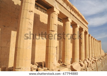 16 sided columns in the new kingdom mortuary temple of Queen Hatshepsut at Thebes in Egypt