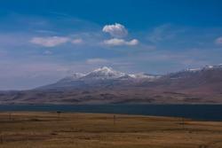 snowpeaks near paravani lake