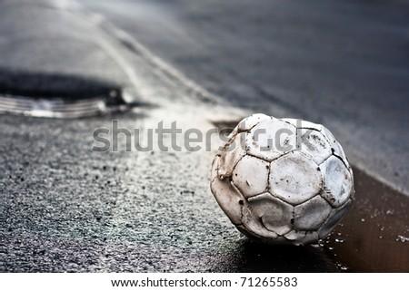 ,soccer in road,