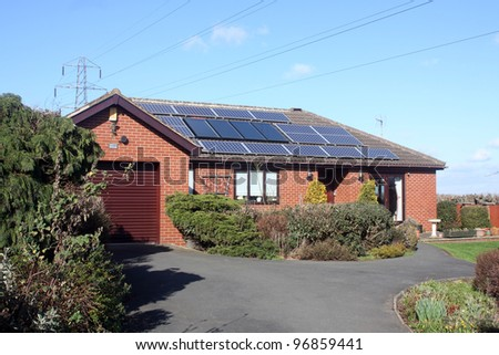 16 Solar Panels on Bungalow Roof in UK including power lines