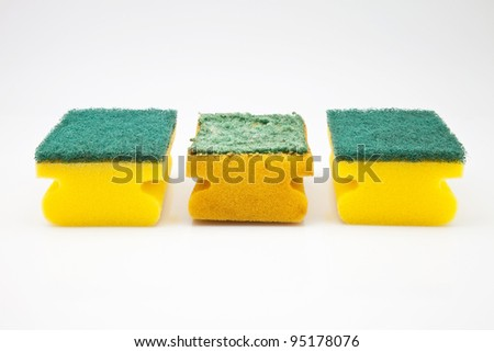 sponges new and used for cleaning
