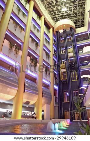 5 star hotel foyer