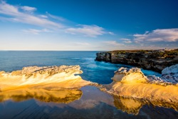The beautiful coastline of Botany Bay National Park in an Afternoon