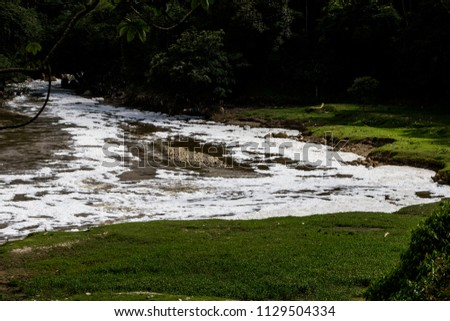 The pollution of the Medellín River, Colombia, is caused mainly by commercial and industrial companies. The majority of companies in the Aburrá Valley are connected to the public sewer network #1129504334