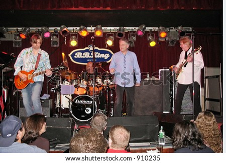 The Syn with Yes members Chris Squire, Alan White, vocalist Steve Nardelli and lead guitarist Shane Therlot of the Neville brothers are on stage at BB Kings in Manhattan on January 17th 2006.