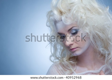Thinking snow queen #40952968