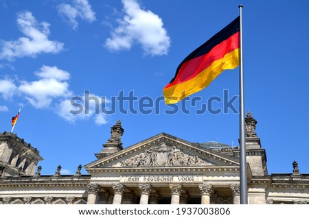 'to the german people' script on building of german parliament Reichstag ストックフォト ©