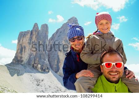 "Tre Cime di Lavaredo "" Drei Zinnen "" - Dolomite - Italy, Family on mountain trek"
