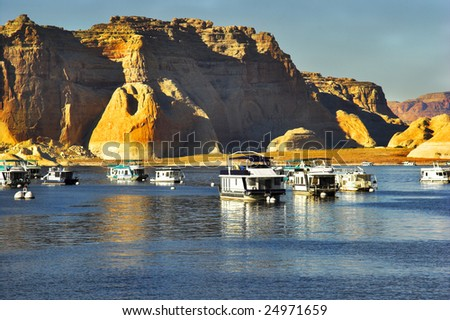 Walking boats on lake Powell in the USA