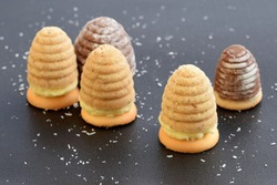 Wasp nests cookies of two colours