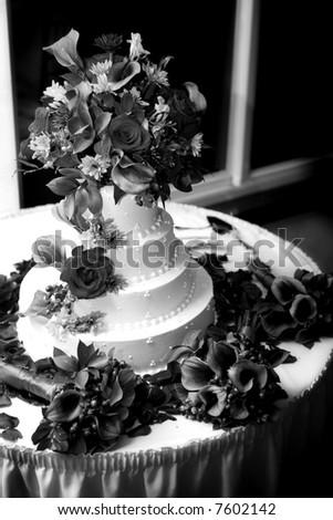 wedding cake - black and white