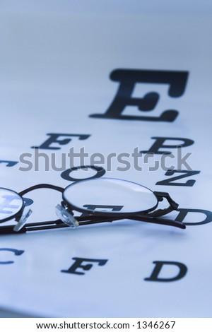 验光师眼睛测� ��图蓝色 - stock photo