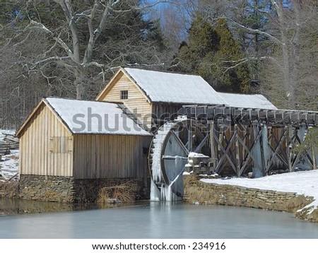 雪在磨房 - stock photo
