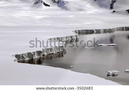 南极冰架边缘 - stock photo