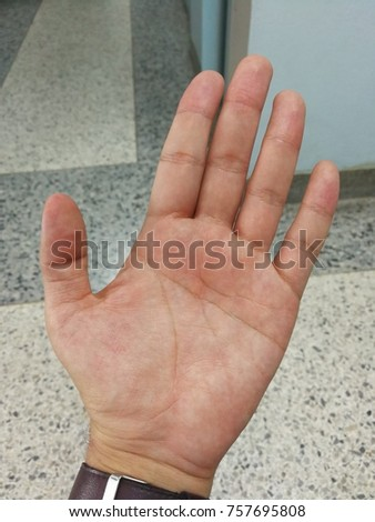 A barehand with five fingers including thumb, forefinger, middle finger, ring finger, little finger and fingerprint #757695808