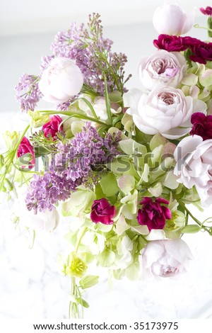 Flower Vase on Beautiful Flower Arrangement In A Vase Stock Photo 35173975