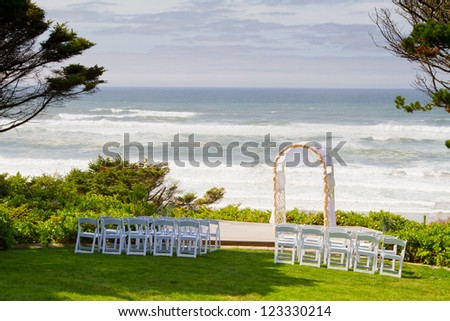 A beautiful setting for a wedding along a beach overlooking the Pacific Ocean in Oregon.