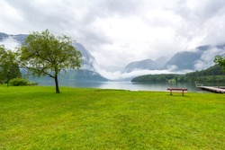 A bench in front of the hallstatt lake