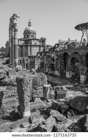 A black and white picture of the Temple of Venus Genetrix, in Rome.