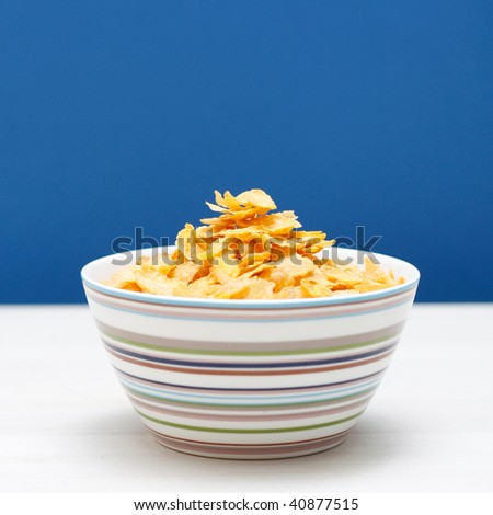 A bowl of corn flakes #40877515