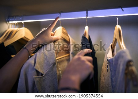 A business woman at hotel room who choosing clothes for work. Business, hotel, people Foto stock ©