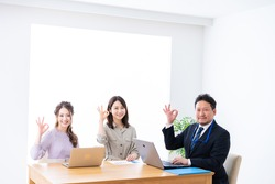 A businessperson having a meeting in an office.