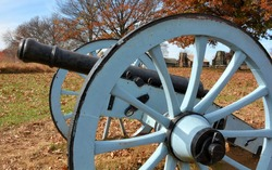 A cannon on the Gettysburg battlefield