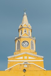 A closeup of the Clock Tower Monument in the Walled City of Cartagena on a clear day.