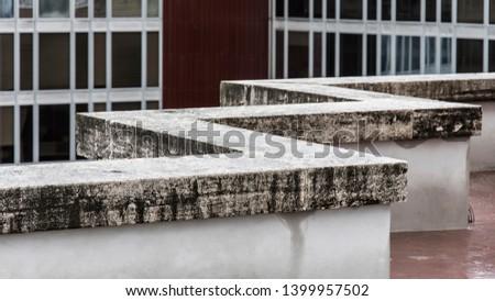A concrete Zigzag in Rome #1399957502