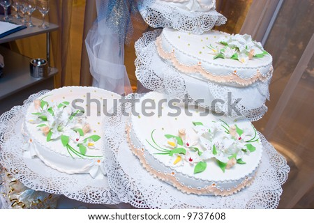 a decorated cake for a holiday or wedding