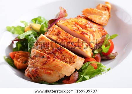 a dish of chicken breast