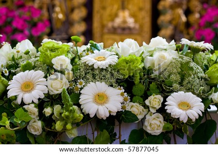 Fake Flower Wedding Arrangements - Do It Yourself Weddings Guide